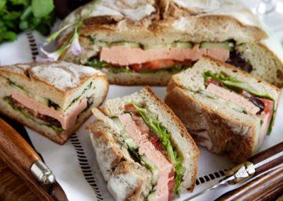 Laksepaté-sandwich med provencalsk fyld